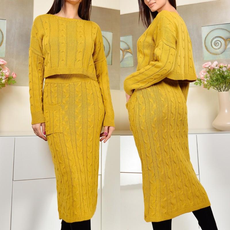 Compleu din tricot format din fusta si pulover - galben