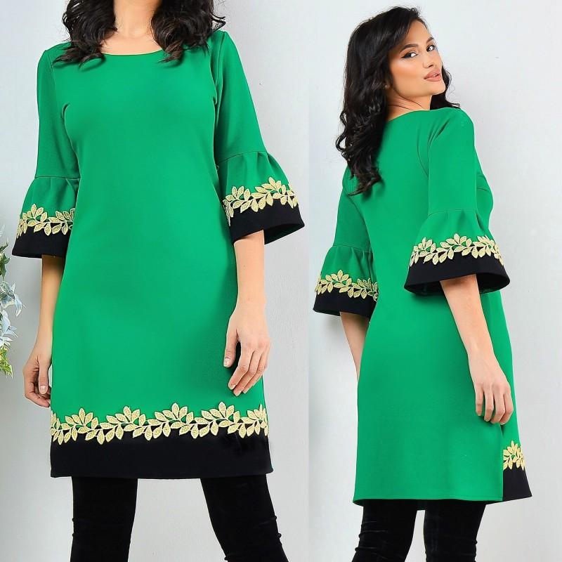 Rochie verde cu croi drept si maneci evazate