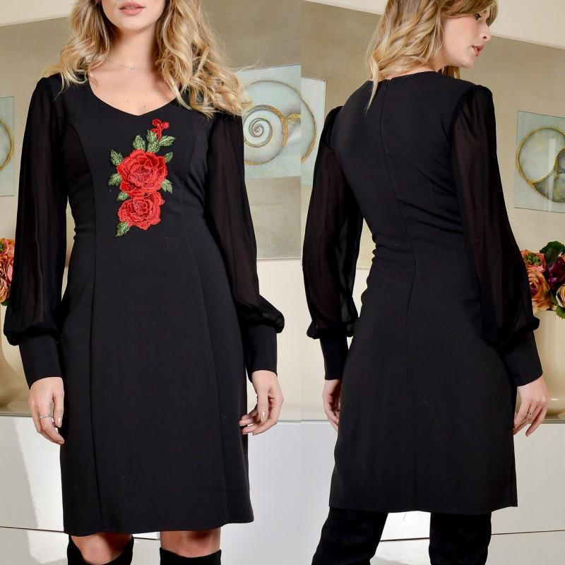 Rochie neagra cu trandafiri brodati