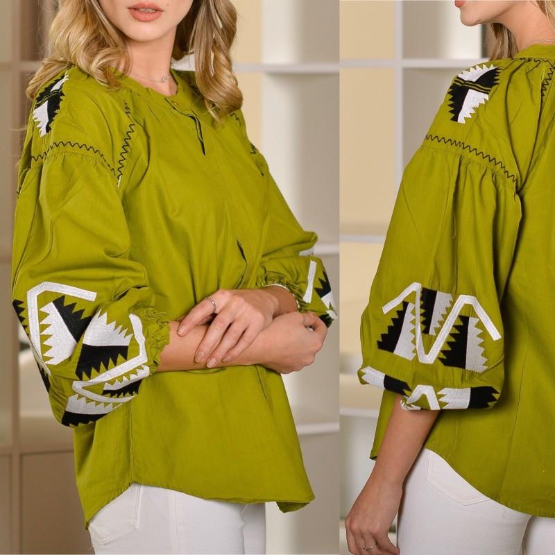 Bluza tip ie verde cu maneci bufante, brodata - Laura