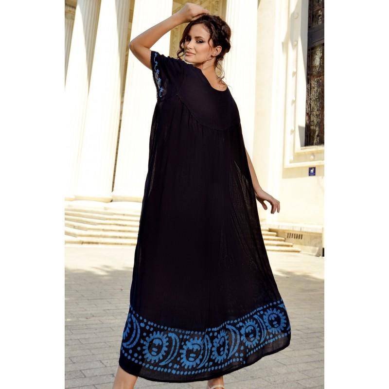 Rochie lunga cu imprimeu albastru si broderie