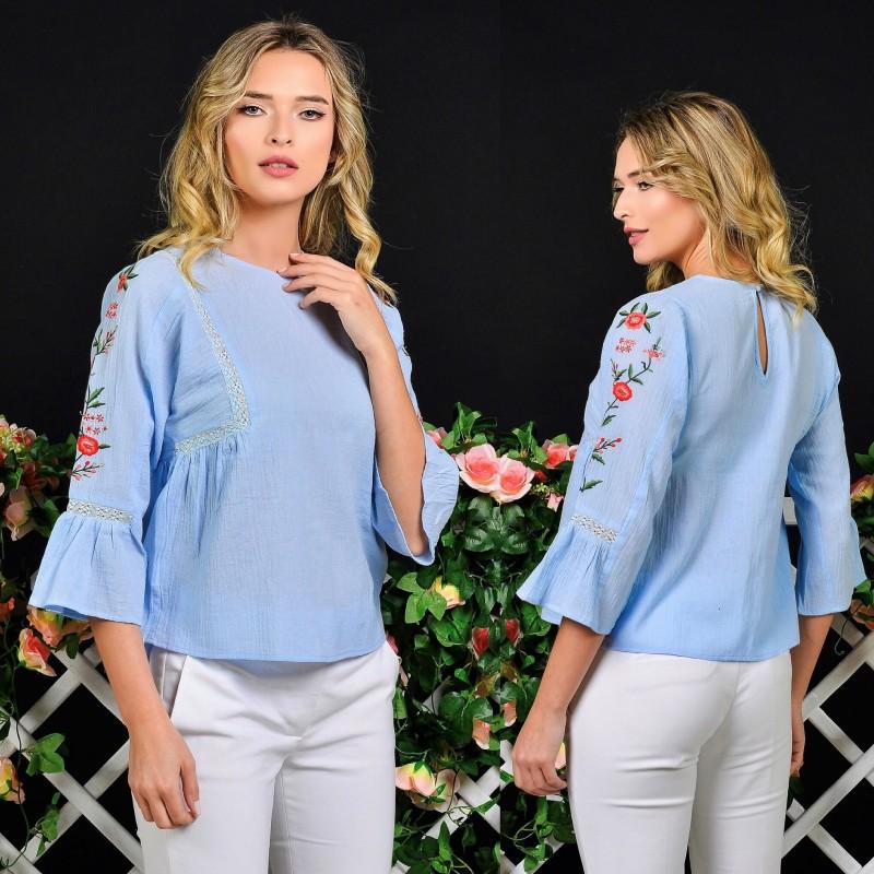 Bluza bleu cu maneci brodate