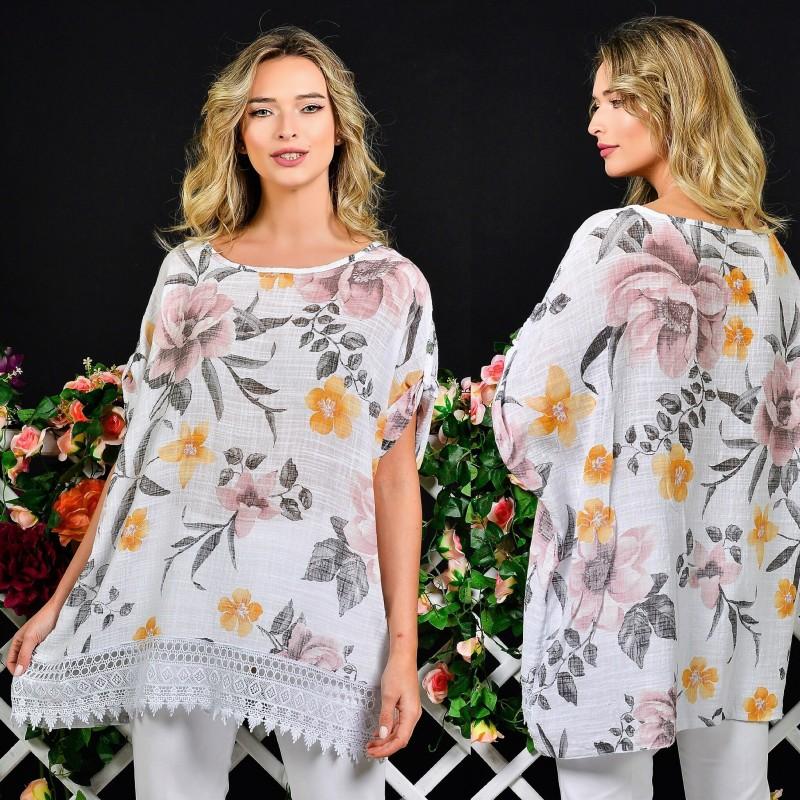 Bluza alba vaporoasa cu imprimeu floral si dantela