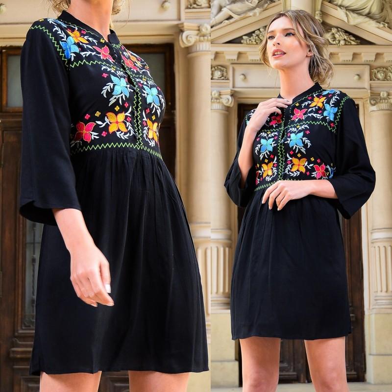 Rochie neagra cu guler tunica si broderie florala