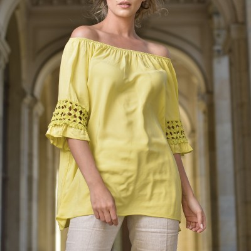 Bluza galbena vaporoasa cu maneci stilizate