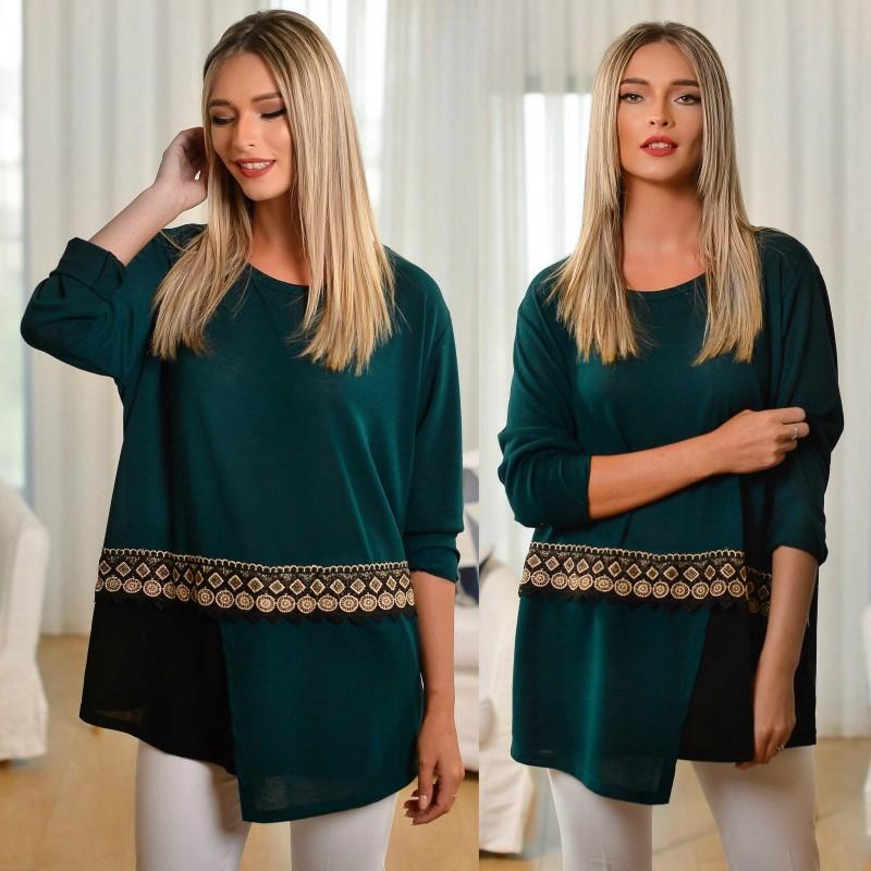 Bluza din tricot cu dantela brodata si model stilizat - turcoaz