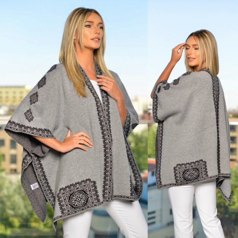 Poncho gri cu motive traditionale