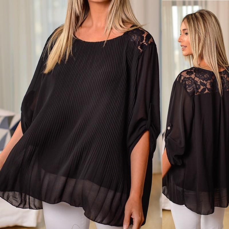 Bluza neagra plisata cu dantela