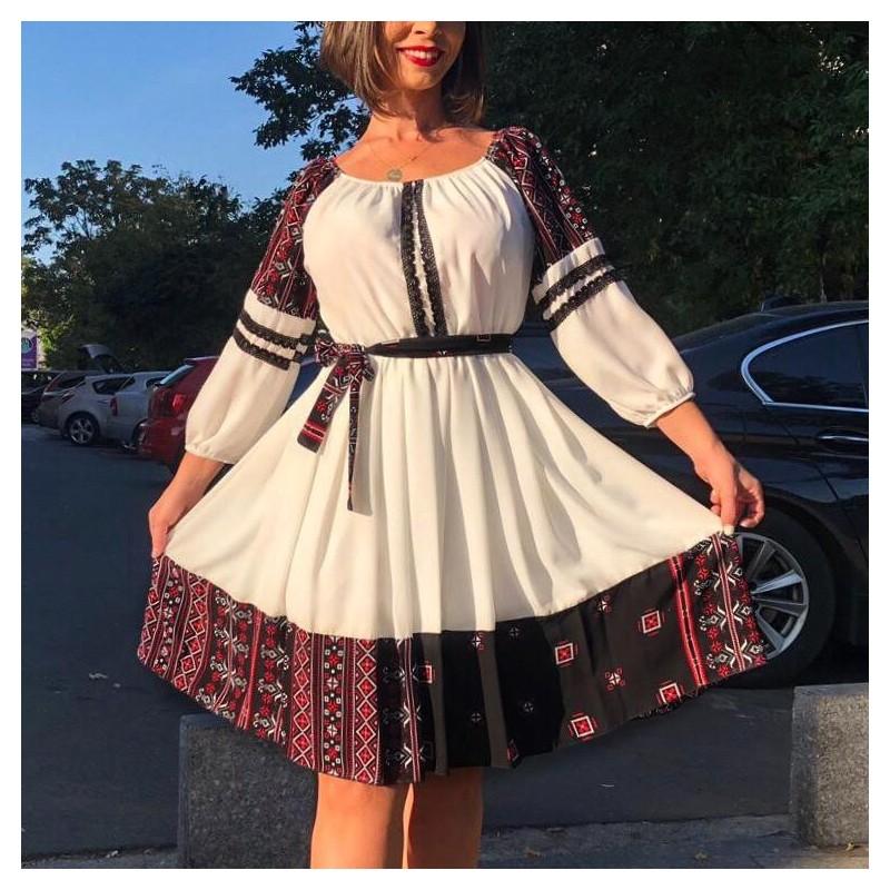 Rochie alba din voal cu model traditional stilizat