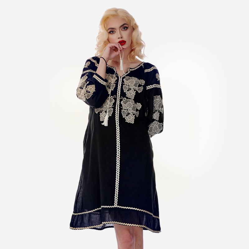 Rochie Traditionala neagra - Carina