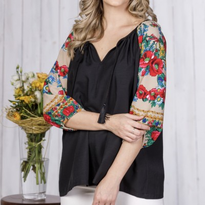 Bluza neagra cu imprimeu floral  pe maneci - bej Florentina 05