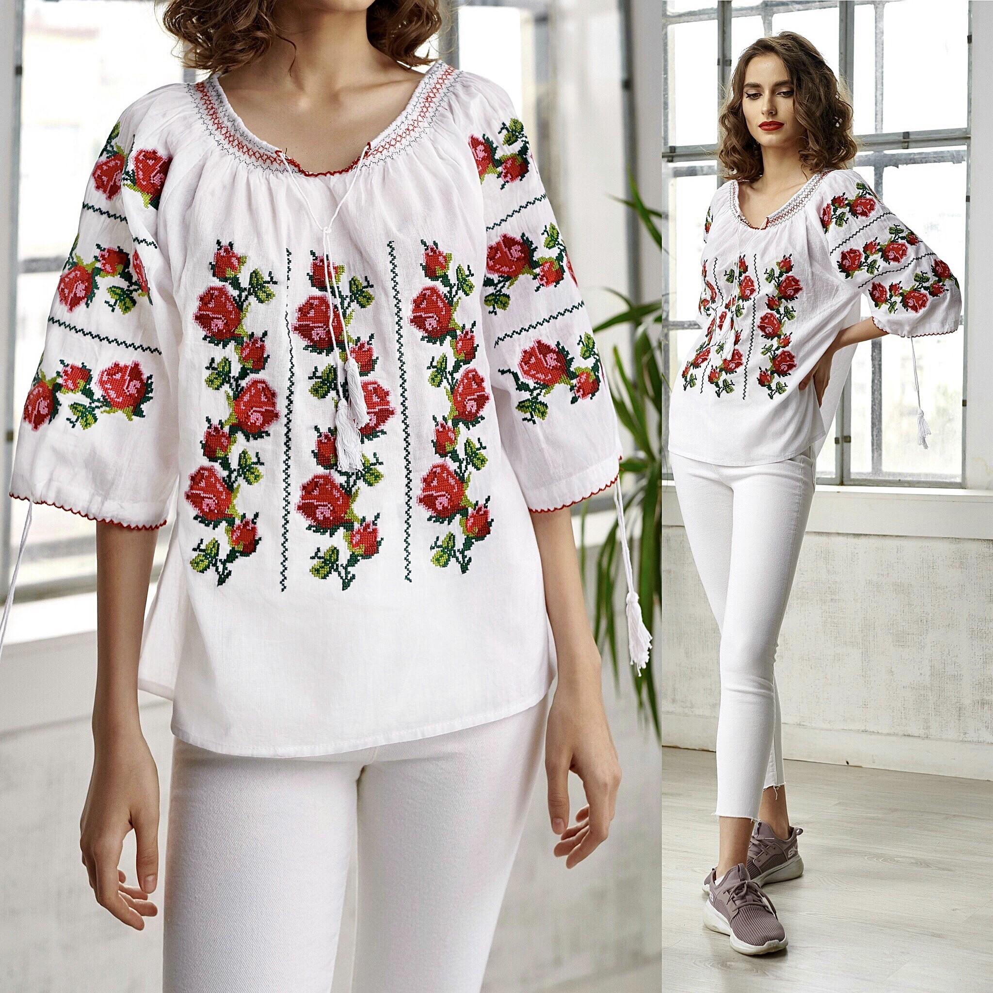Bluza tip ie cu trandafiri brodati – Antonia