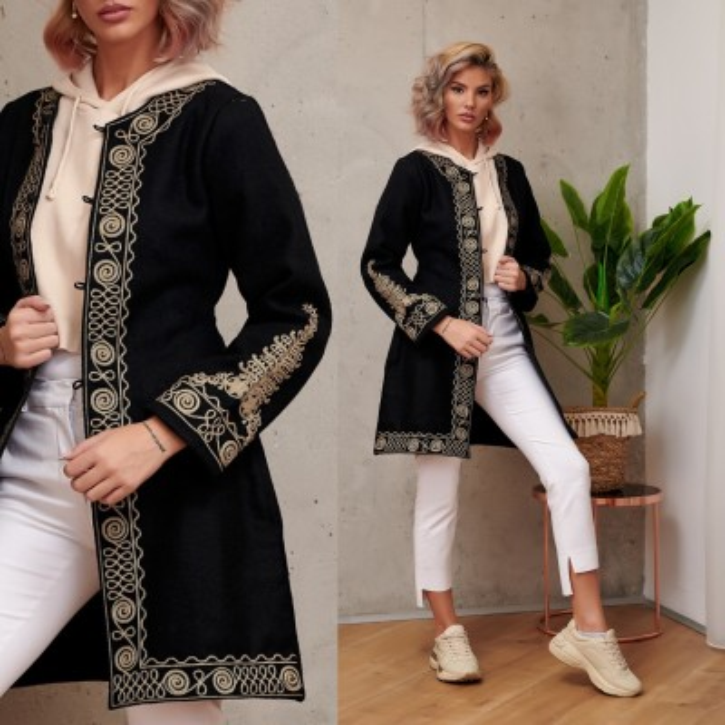 Palton brodat negru din stofa de lana - Elisabeta 02