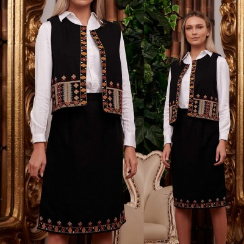 Costum Traditional brodat format din vesta si fusta - Ileana