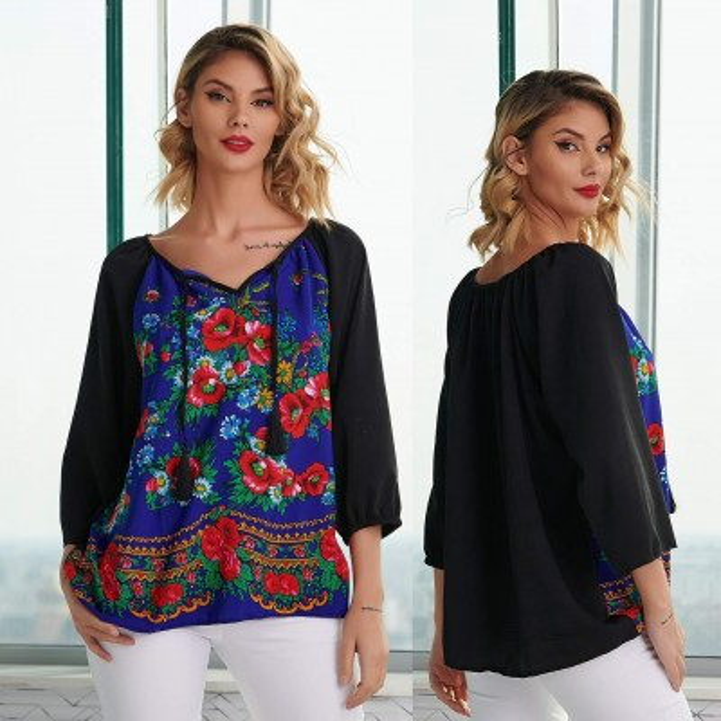 Bluza neagra cu imprimeu floral albastru - Luminita 04