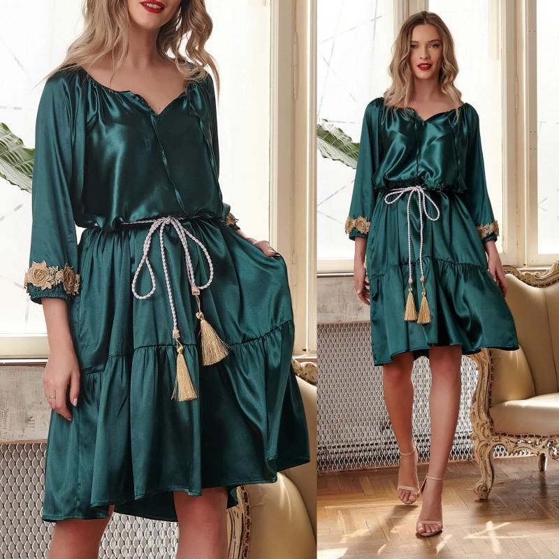 Rochie din satin verde cu trandafiri aurii