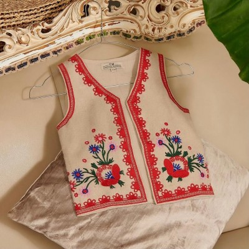 Costum traditional fetite