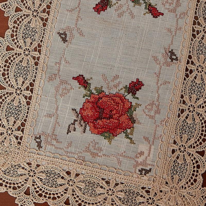 Servet brodata pentru masa - Trandafir