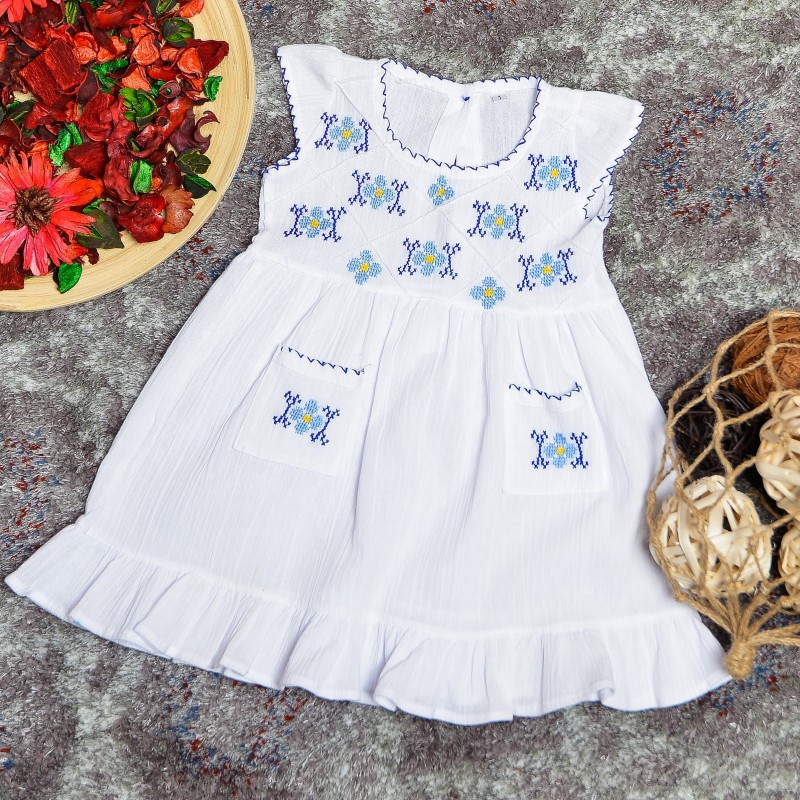 Rochie traditionala cusuta manual - Diana