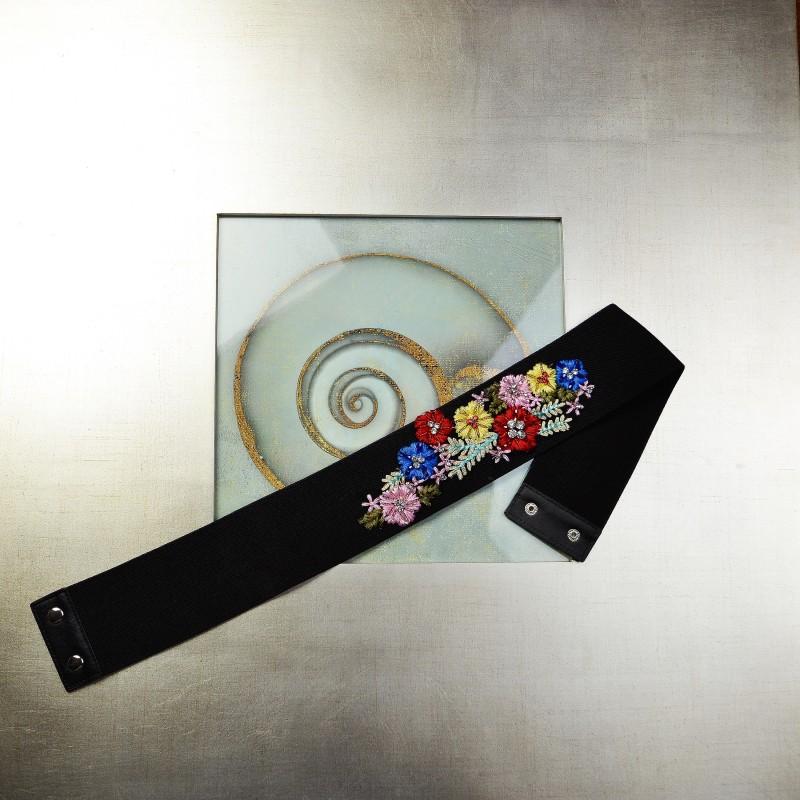 Curea elastica cu broderie florala aplicata - neagra