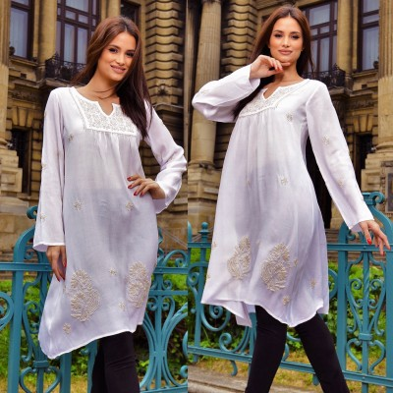 Bluza -rochie vaporoasa de vara, brodata manual -alba