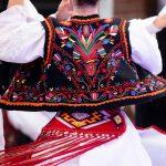 Costumul national – o varietate de stiluri, simboluri si folclor